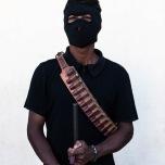 Miembro de las policías comunitarias en el retén principal del pueblo. Ayutla de los Libres, Guerrero. 2/1/2013