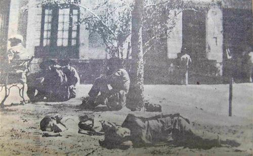 Toxicomanos in a Public Park (Source: Excesior, May 1, 1937)